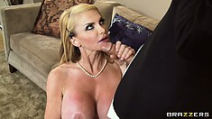 Taylor Wane is an experienced MILF pornstar, as it can be seen by the way she sucks cock!
