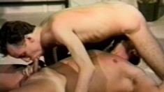 A couple of kinky dudes make each other cum in a hardcore scene
